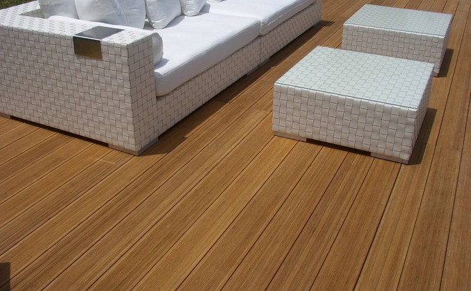 Vertical Bamboo Decking Laminated Solid Deck Board